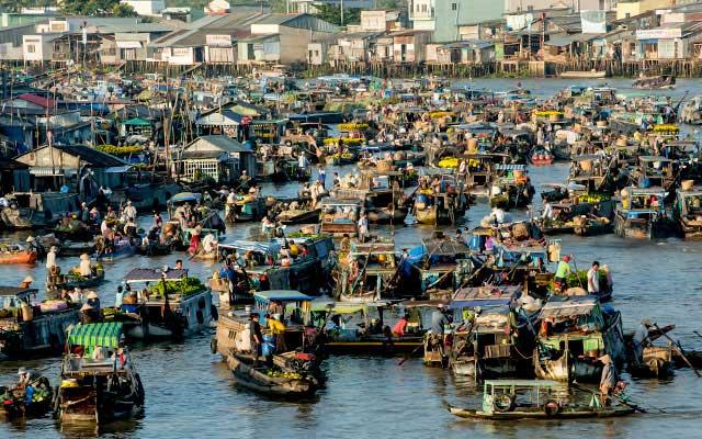 Cai-Rang-Floating-Market-Mekong-Delta-Vietnam
