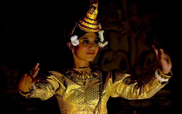 Khmer-dance-Siem-Reap-Cambodia