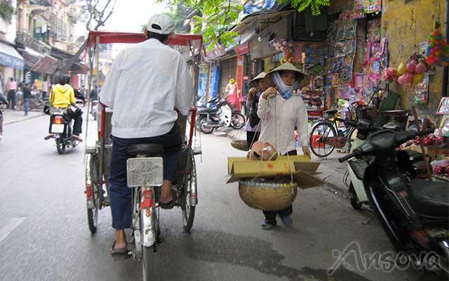 Rickshaw-Hanoi